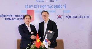 Viện thẩm mỹ Euro Hàn Quốc sở hữu đội ngũ bác sĩ uy tín cùng hệ thống công nghệ thẩm mỹ hàng đầu thế giới. Các bác sỹ của Euro đều trưởng thành từ các trường đại học và bệnh viện hàng đầu tại Hàn Quốc. M.D. Joon-Yong Choi là bác sĩ thẩm mỹ giỏi nhất 13 nước châu Á do tạp chí AESETHETIC – một tạp chí y khoa nổi tiếng toàn cầu bình chọn.